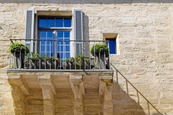 Pourquoi acheter un bien immobilier ancien dans le Var ?